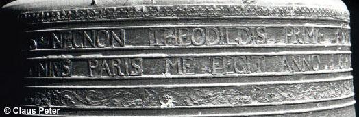Detailansicht der Geva- und Thiatildisglocke - Glocke III